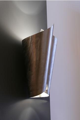 wandleuchten design in edelstahl und grosse messing wandlampen. Black Bedroom Furniture Sets. Home Design Ideas