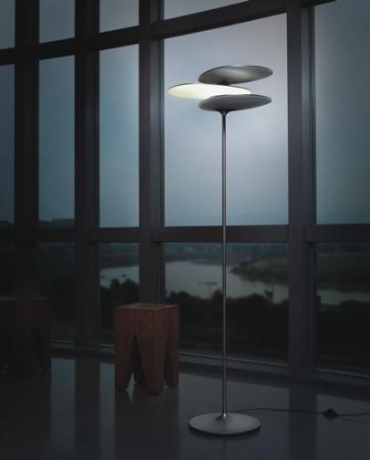 led stehleuchte ausgezeichnet mit red dot design award. Black Bedroom Furniture Sets. Home Design Ideas